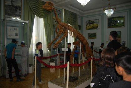 Экскурсия в музей геологии