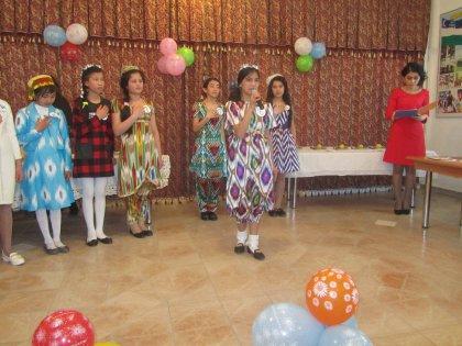 Девушки проявили свои умения в ходе весеннего конкурса